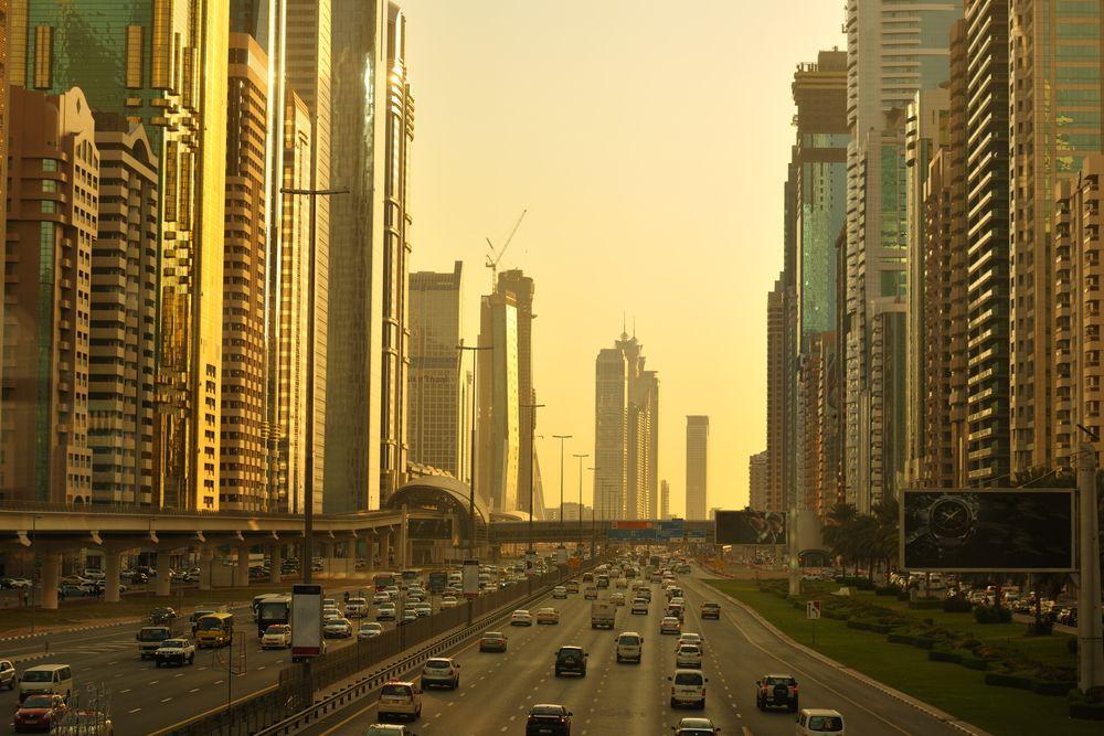 Správa silnic a dopravy v Dubaji zahájila spolupráci s autoDNA!